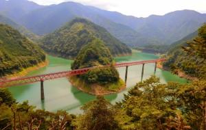 【静冈图片】【执念日本】走进ぬくもりの森和小丸子的世界、穿过梦之吊桥、乘坐阿布特式火车、造访秘境车、重返镰仓