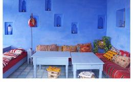 转让舍夫沙万10月8号一晚的三个房间,是INS上挺红的舍夫沙万riad(Casa Perle