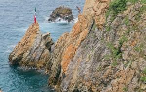 墨西哥娛樂-La Quebrada懸崖跳水