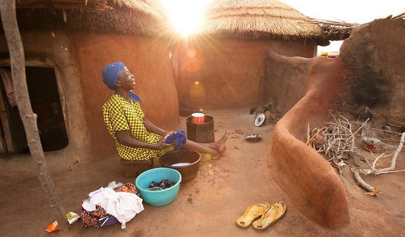 非洲可怕女巫集中营:女人的命运由一只鸡决定