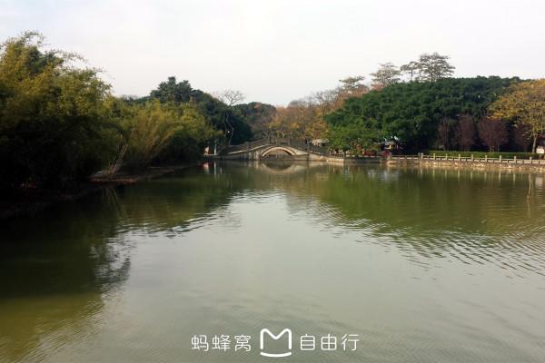 游乐场,情人岛,盆景园,拓展园,戛纳名人摄影公馆,共青湖等.
