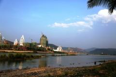 云南游览之七 ------ 游览西双版纳药用植物园,热带花卉园,澜沧江江边风景等