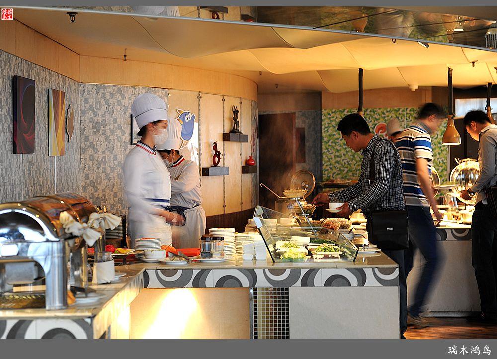 【原创摄影】印象青岛——22,青岛汇泉王朝旋转餐厅
