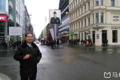 东欧六国之旅..游德国柏林闹市中心柏林墙查理岗哨记