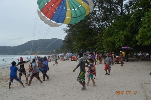泰国旅游 普吉岛 东芭海滩拖伞飞 飞天撞地好刺激