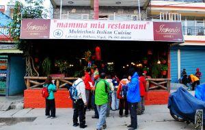 博卡拉美食-mamma mia restaurant