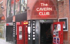 英国娱乐-洞穴酒吧