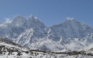 尼泊尔娱乐-珠峰南坡大本营