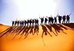 腾格里沙漠探险-沙漠冲浪 骑骆驼 拜访牧民