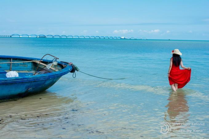 就是为了在碧海蓝天的美景里抢风头  防晒衣是为了骑车准备的,涠洲岛