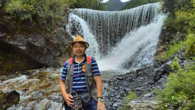 【扎隆沟】  扎隆沟位于青海省互助县,因交通不便,游人很少,第一天