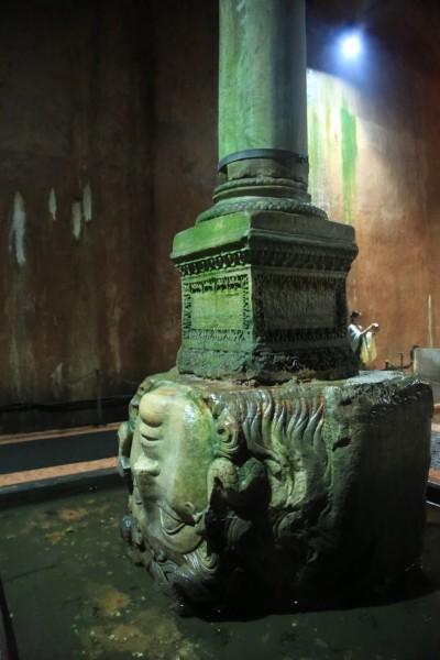 游记   希腊神话中的蛇怪,  走进褃面,这画面,让我想起哈利波特第