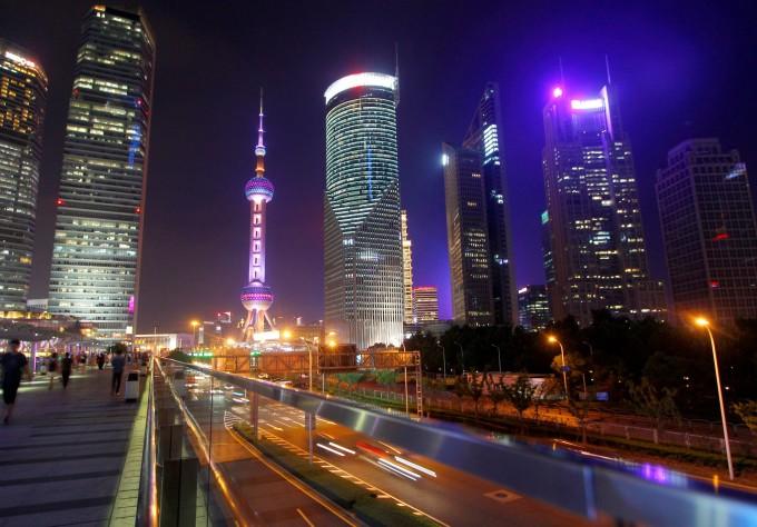 上海香港新加坡经济总量_香港和新加坡