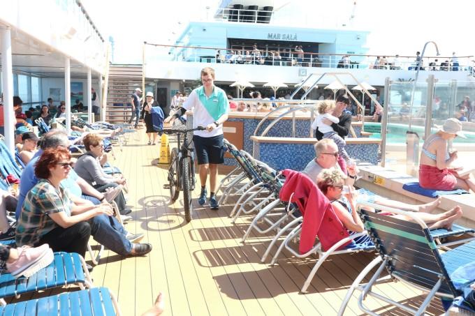 3月份伯曼邮轮穿梭在西班牙大西洋海?#28023;?#22823;加那利群?#28023;? onmousewheel=